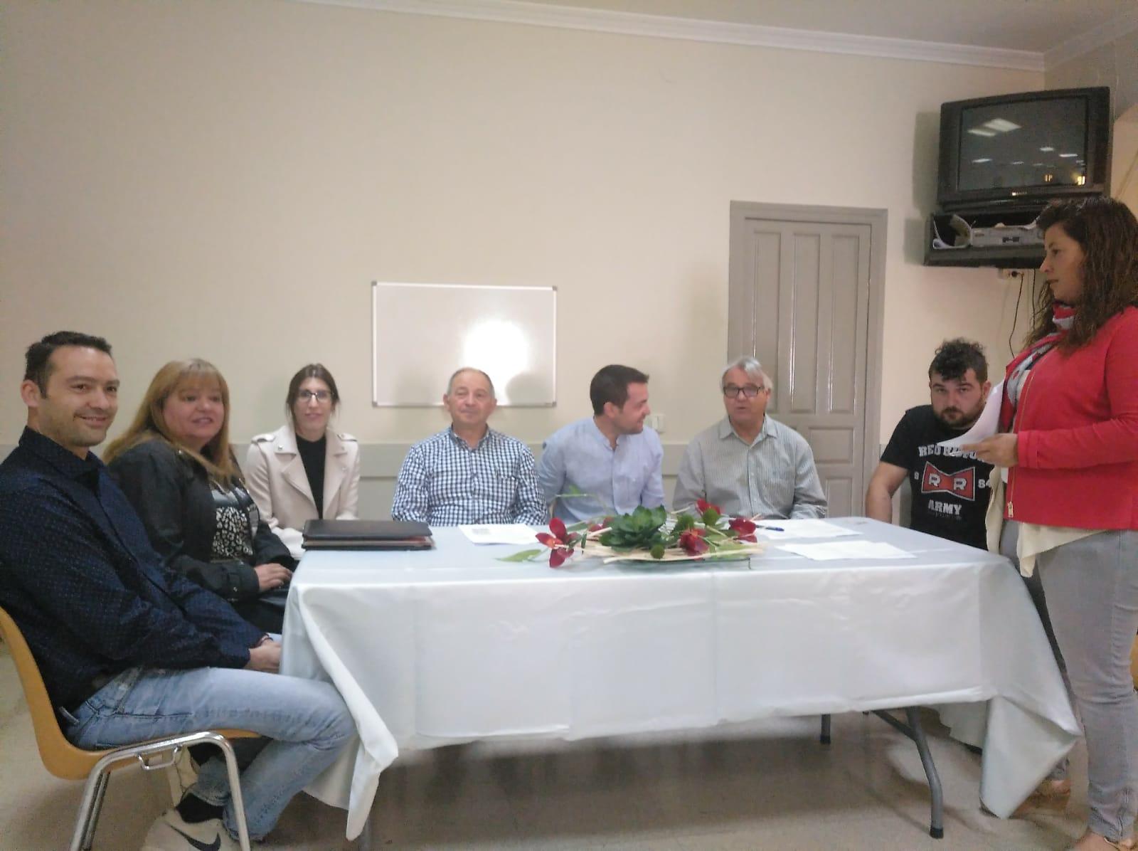 Almatret constitueix el nou Ajuntament.
